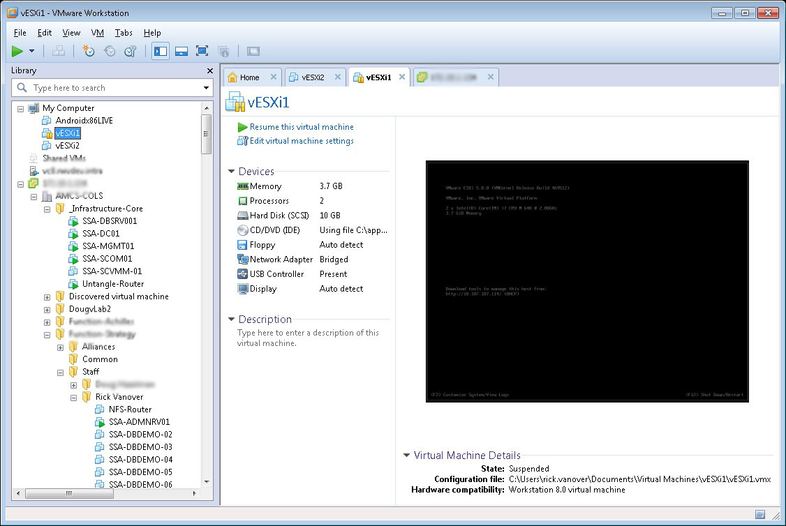 The VMware Workstation 8 interface allows a number of new features to be brought into one console.