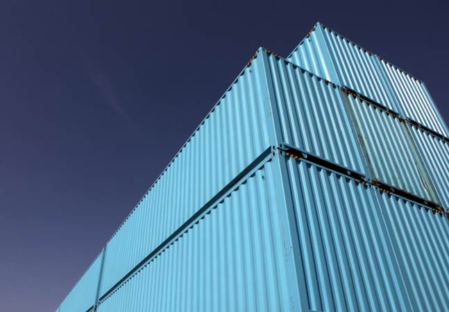 Web Giant Google Challenged Elished Cloud Services Leader Inc Aws With Last Week S Introduction Of A Beta Nearline Storage